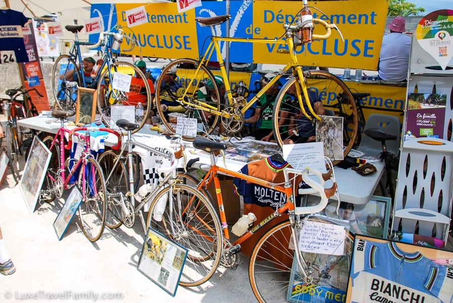 Interesting Tour de France displays in Bédoin