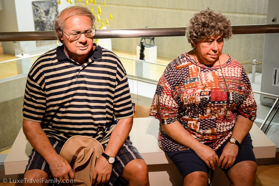 Life-like Old Couple on a Bench by Duane Hanson Palm Springs Art Museum