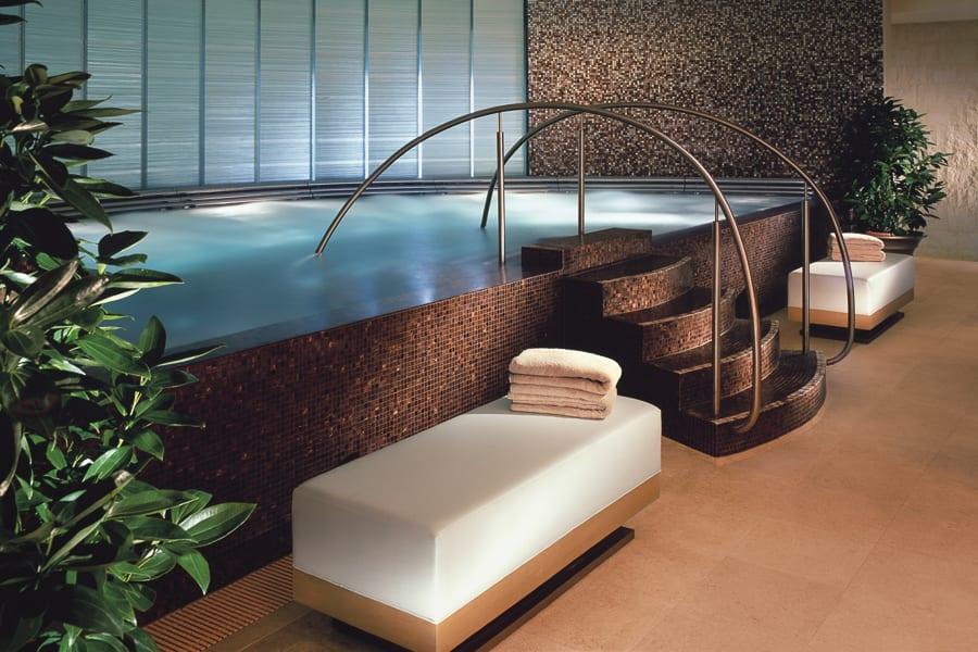 Vitality Lounge Four Seasons Hong Kong