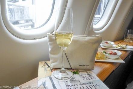 Pre-flight-champagne-SWISS-a330-first-class