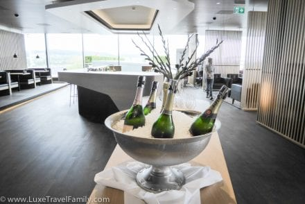Champagne Bar SWISS First Lounge E Zurich