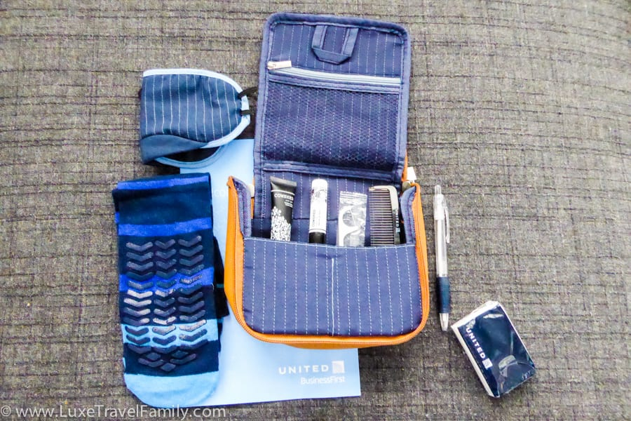 Amenity kit BusinessFirst on a United Airlines Dreamliner